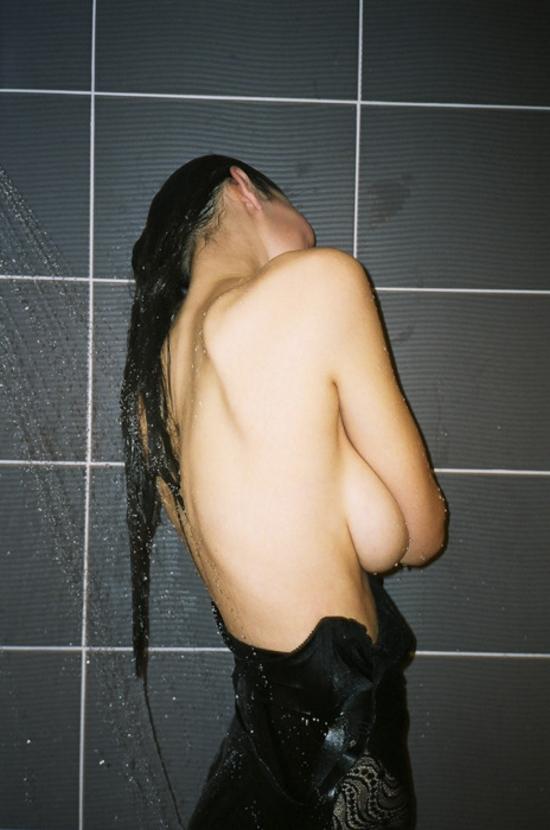 showershy.jpg (234 KB)