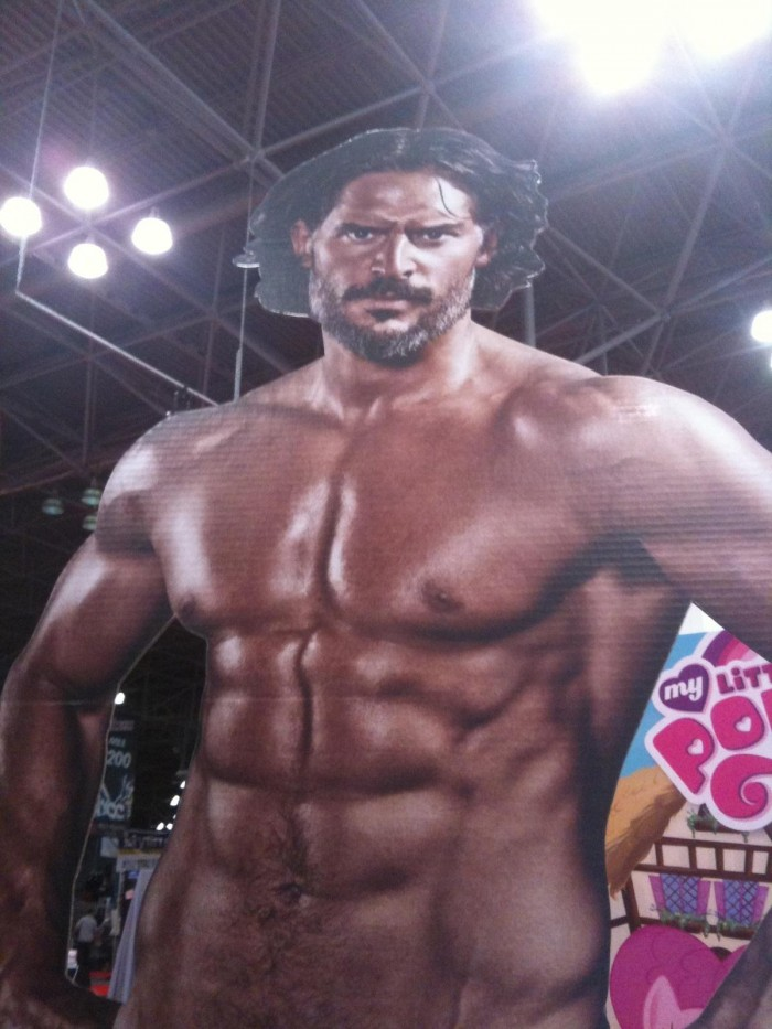 giant_alcide_cutout_NYCOMICON_2013.jpg (202 KB)
