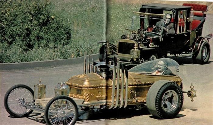 Munsters-cars.jpg (116 KB)