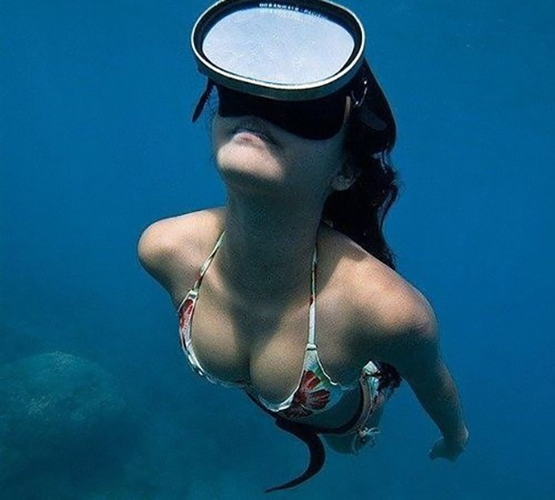 under-water-summer-girls-005-01262014.jpg (127 KB)