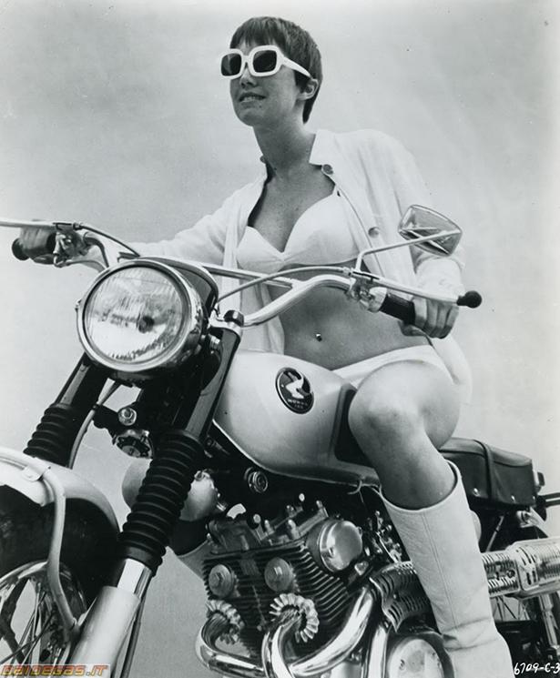 girls_vintage_bikes_001_10192013.jpg (277 KB)