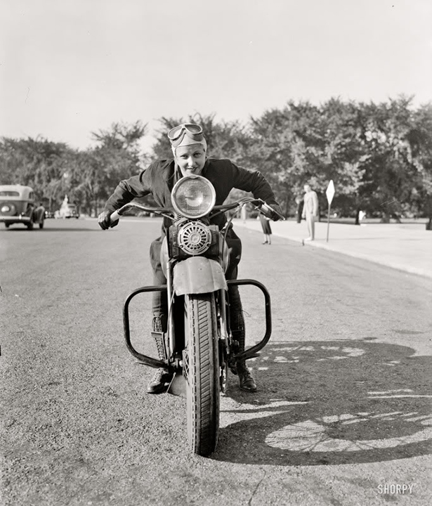 girl_and_motorcycle_006_01232014.jpg (273 KB)