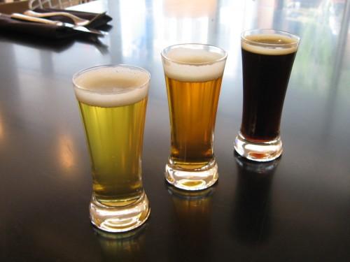 10-17-08-beer-flight-pic.jpg (824 KB)