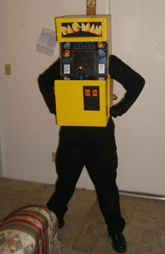 2007   Pac Man Machine 325x500 Mayydays Halloween