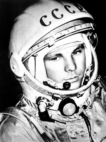 Gagarin_space_suite.jpg (64 KB)