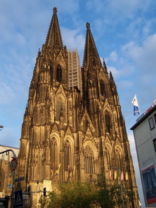 Cologne_cathedral_at_dusk.jpg (988 KB)