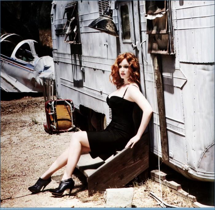 Christina-Hendricks-Esquire-Photoshoot-HQ-christina-hendricks-8730764-2008-1961.jpg (864 KB)