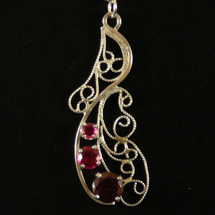 filigree pendant freeform1 700x700 Jewelry I made