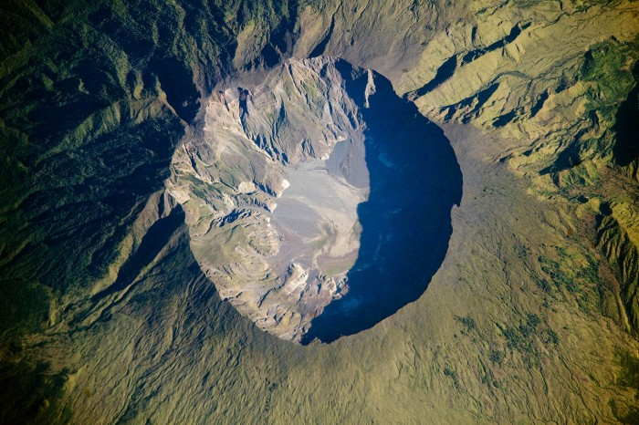 Mount_Tambora_Volcano,_Sumbawa_Island,_Indonesia.jpg (618 KB)