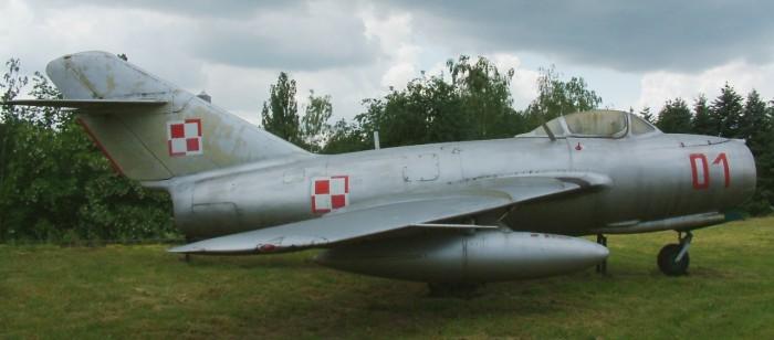 MiG-15_RB1.jpg (290 KB)
