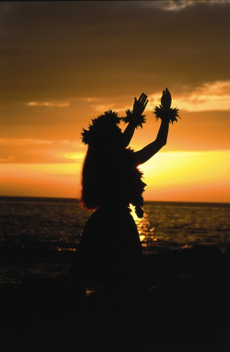 HR_Hawaii_Hula Sunset_HVCB.jpg (158 KB)