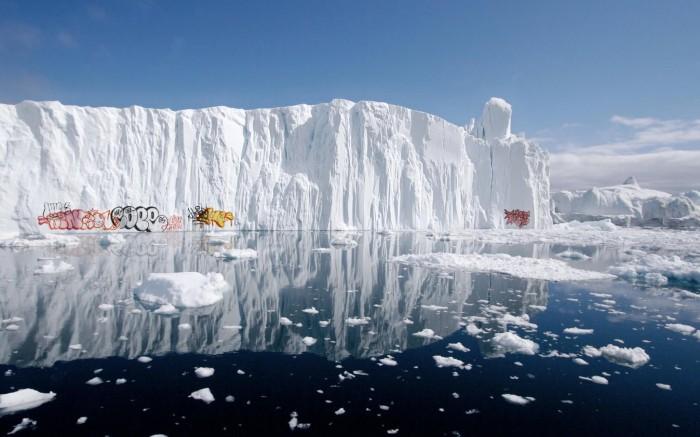 iceberg.jpg (165 KB)