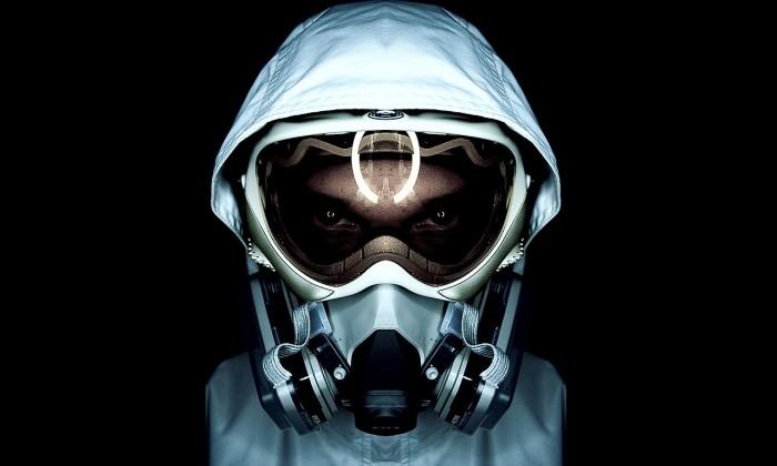 gas-mask-dude.jpg (97 KB)