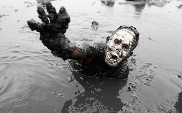mud-festival_brazi_1842048i.jpg (46 KB)