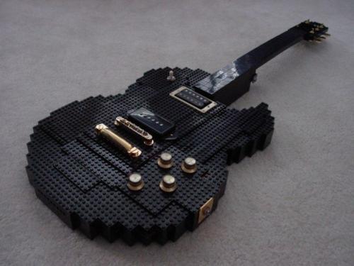 lego_guitar.jpg (66 KB)