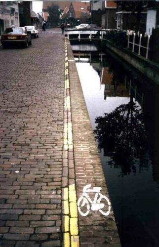 bicycle_line.jpg (56 KB)
