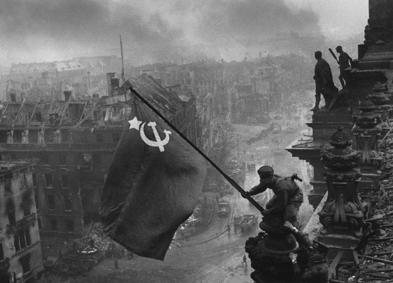 Reichstag_flag.jpg (166 KB)