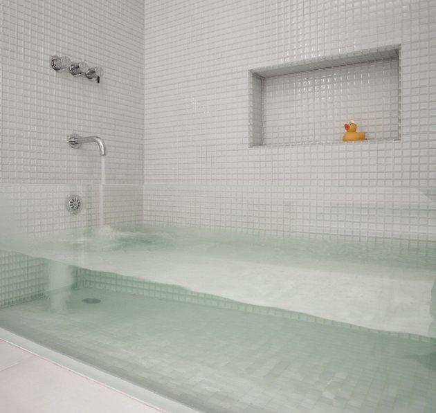 tub.jpg (44 KB)