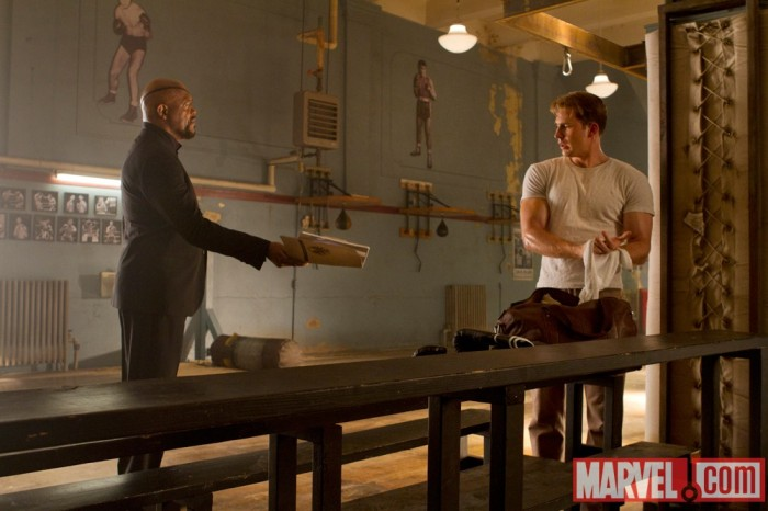 samuel l jackson chris evans avengers 700x466 Avengers Movie