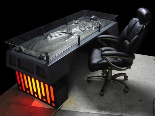 han-solo-carbonite-desk-02.jpg (63 KB)
