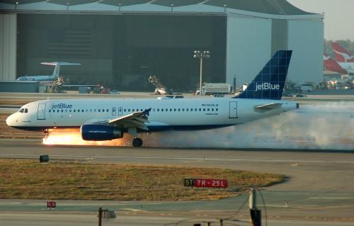 JetBlue292Landing.jpg (431 KB)