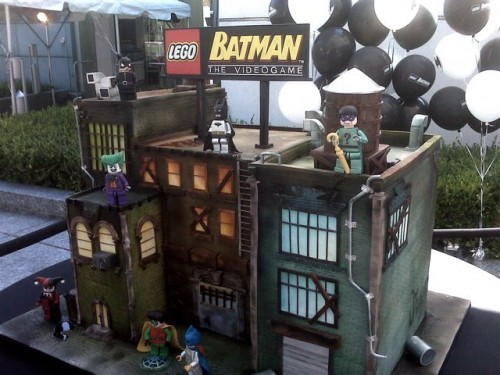 Remiphoto 500x375 Batcake Legos Food Comic Books