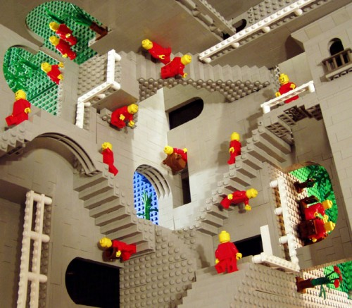 Relativity 500x437 Escher in LEGO Legos Art