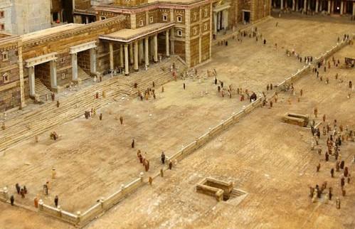 piazza_1355290i.jpg (65 KB)