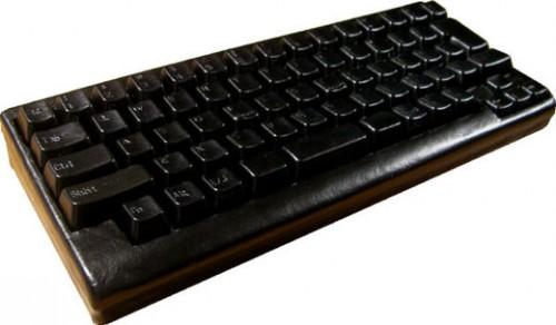black_leather_keyboard.jpg (28 KB)