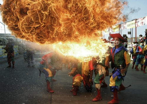 clownfire.jpg (222 KB)