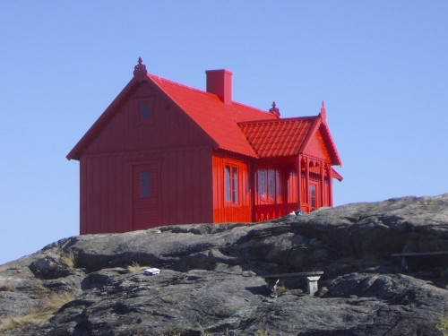 redhouse.jpg (370 KB)