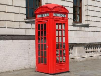 red-phone-box.jpg (106 KB)