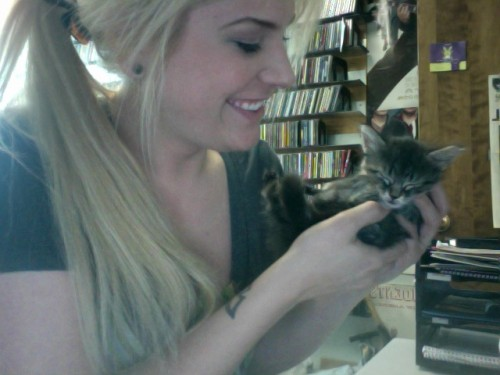 abby_and_a_kitten.jpg (79 KB)